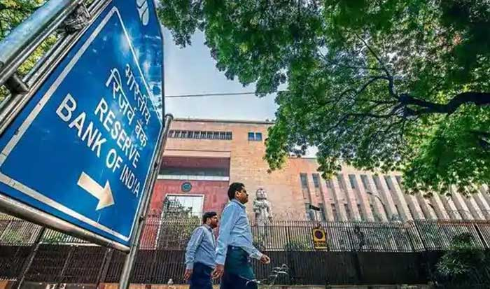 India needs bad banks, government exit from some lenders: Former central bankers